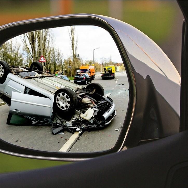 accident-1497295_1280