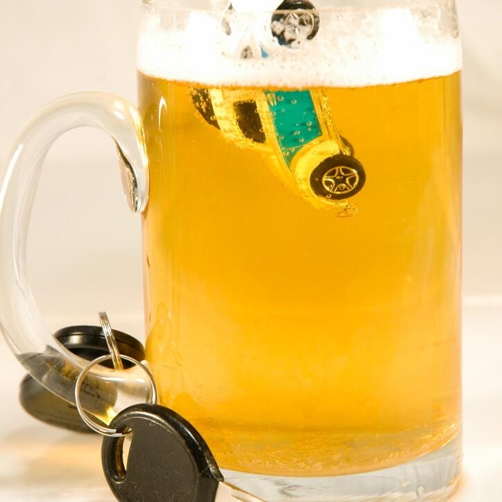 drinking-3740477_1920